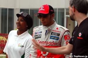ピリピリムードのルイス・ハミルトン、レース直後はファンへのサインも拒否