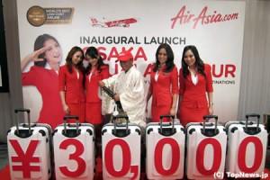 F1チーム・ロータス(ケーターハム)のスポンサー、エアアジアが関空就航