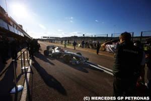 メルセデスGP以外にも「旧車」でのテスト開始チームあり?