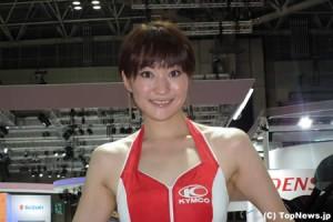 キムコブースの美女=東京モーターショー